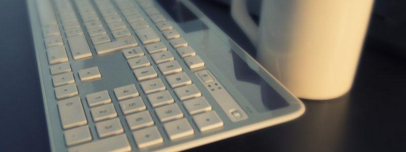 Dlaczego warto postawić na klawiaturę bezprzewodową?